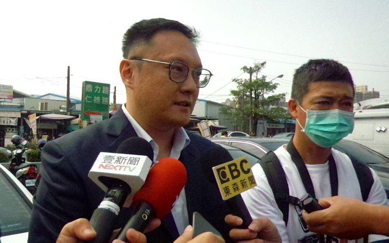高雄市新聞局長鄭照新今天表示,大甲媽遶境活動,韓市長不會揹轎。記者林保光/攝影