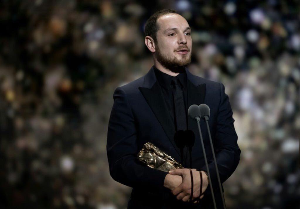 艾力克西馬南堤以「悲慘世界」拿下最佳新人獎,在此之前他原本只是一名劇組幕後工作人