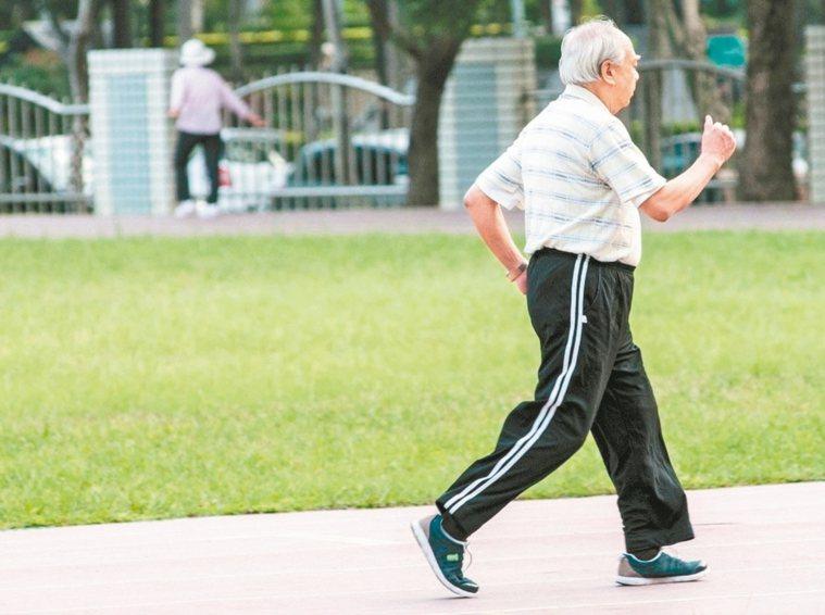 規律適度地運動,有助增強免疫力和降低感染風險。 圖/聯合報系資料照片