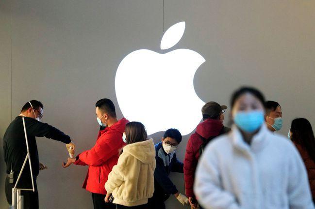 蘋果公司最近的獲利預警說明了一切:中國大陸衝擊是全球供應的主要瓶頸。圖/路透