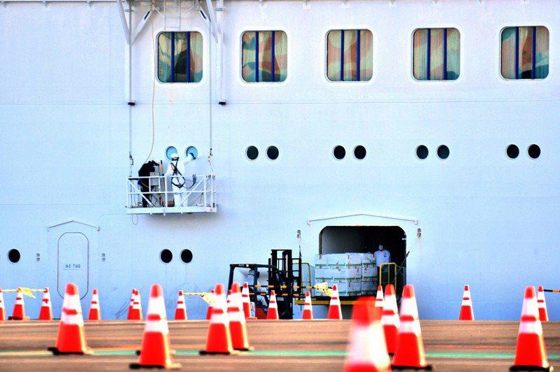 停泊在日本橫濱港的鑽石公主號郵輪。法新社