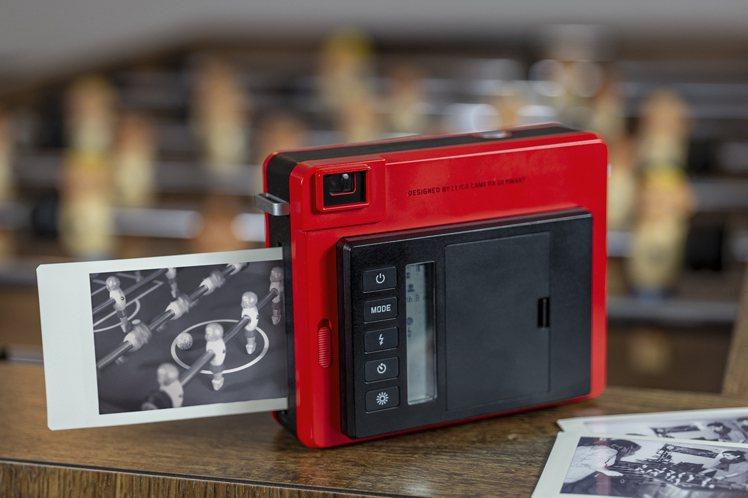 徠卡SOFORT多功能拍立得相機內建多種創意模式。圖/徠卡相機提供