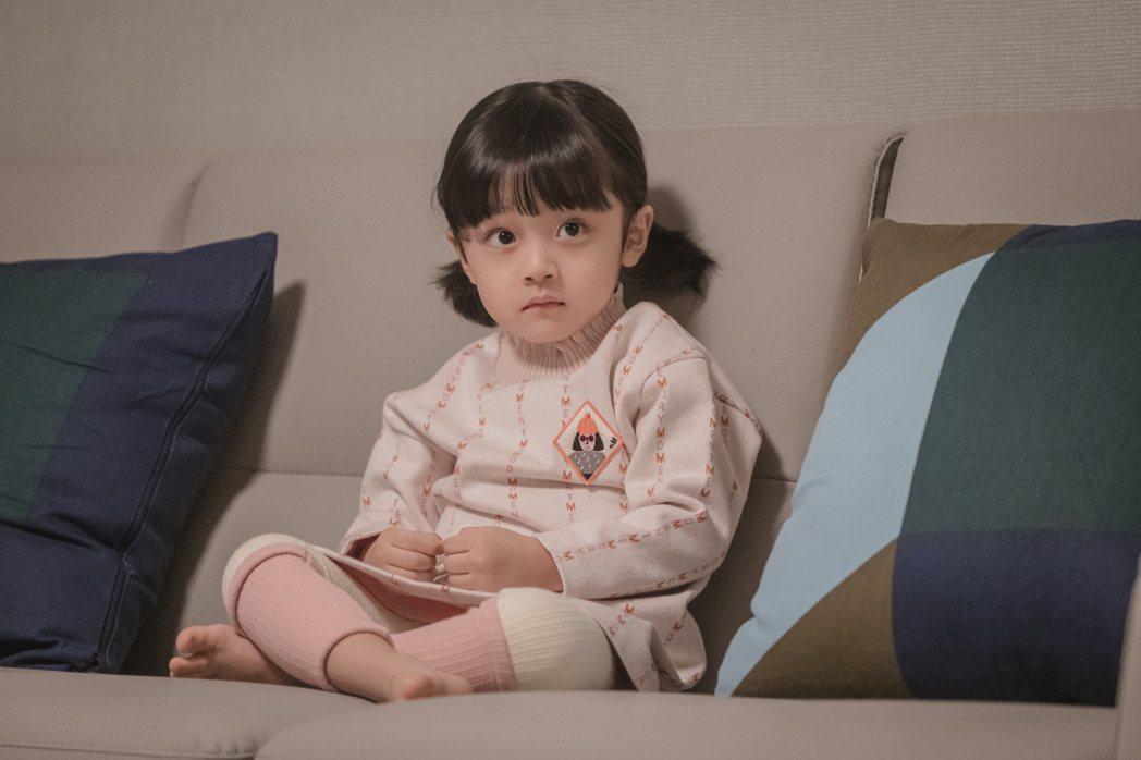 韓國童星徐宇振男扮女裝演出「哈囉掰掰,我是鬼媽媽」。圖/Netflix提供