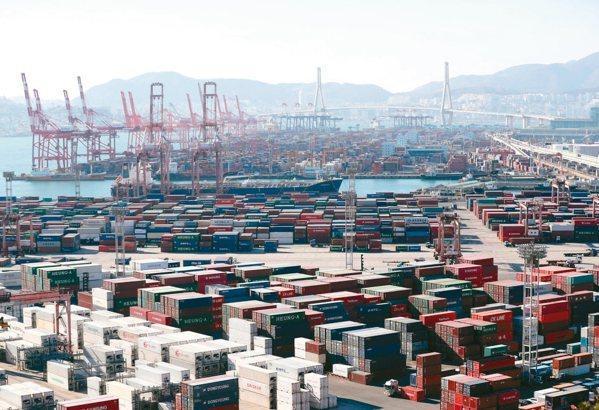 南韓半導體外銷好轉,帶動出口回復成長。 歐新社