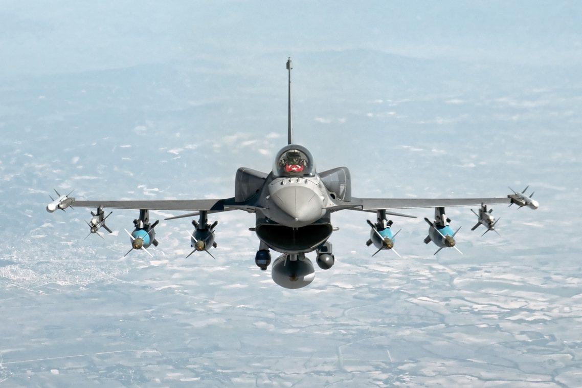 土耳其國防部1日清晨正式啟動「春之盾行動」,對敘利亞發動「全面性」的軍事打擊。圖...