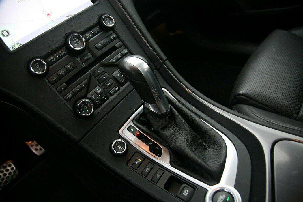 2.8T的動力搭配6速自排換檔綿密。 摘自carscoops