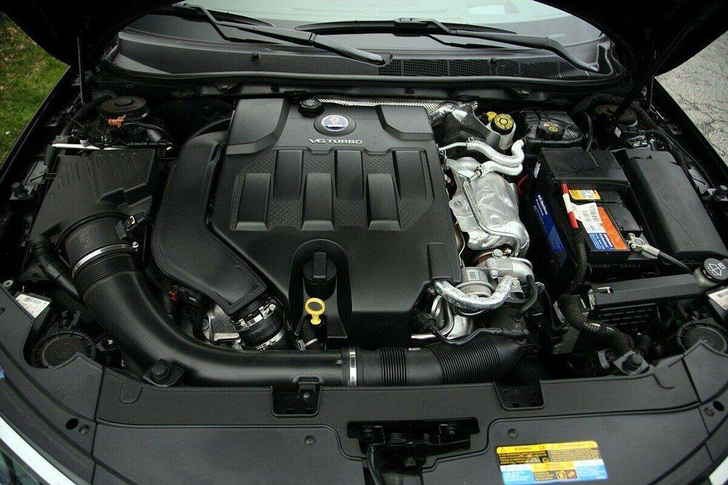 2.8T V6引擎可以產生300hp的動力和40.7kgm的扭力。 摘自cars...