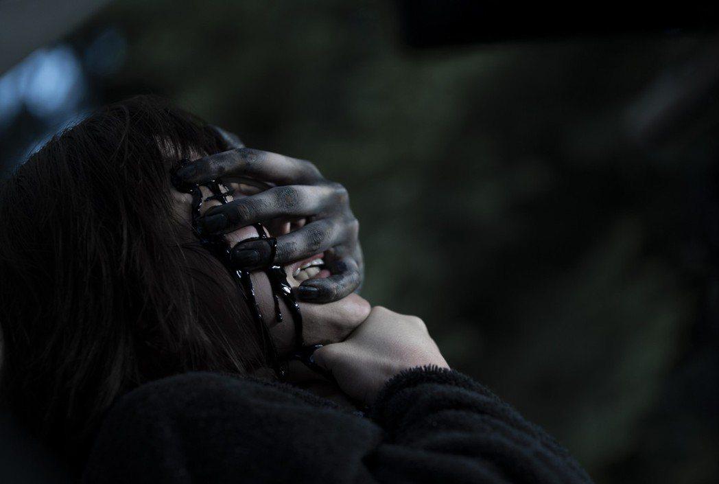 「女鬼橋」全台票房冠軍首週衝破2千萬觀眾狂喊要2刷解謎。圖/傳影提供