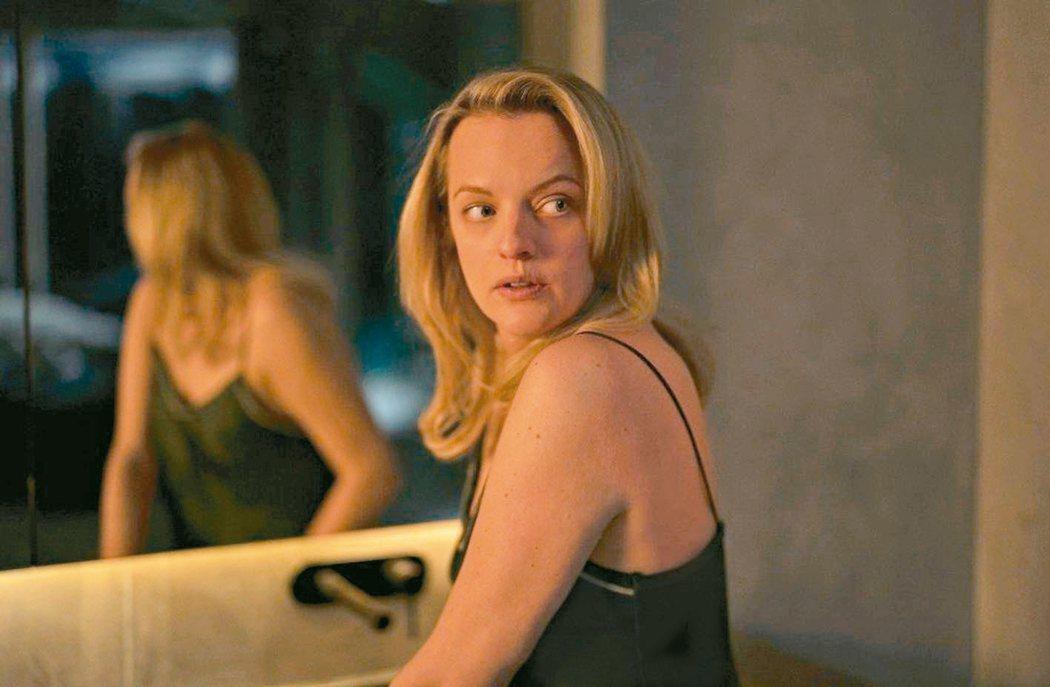 伊莉莎白摩斯主演「隱形人」票房熱賣,拿下全美首周票房冠軍。 圖/UIP提供