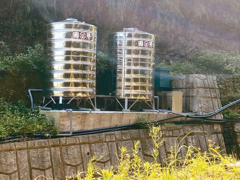 新北市補助三峽山區設置簡易自來水,圖為鳶山里水塔。 圖/新北市水利局提供