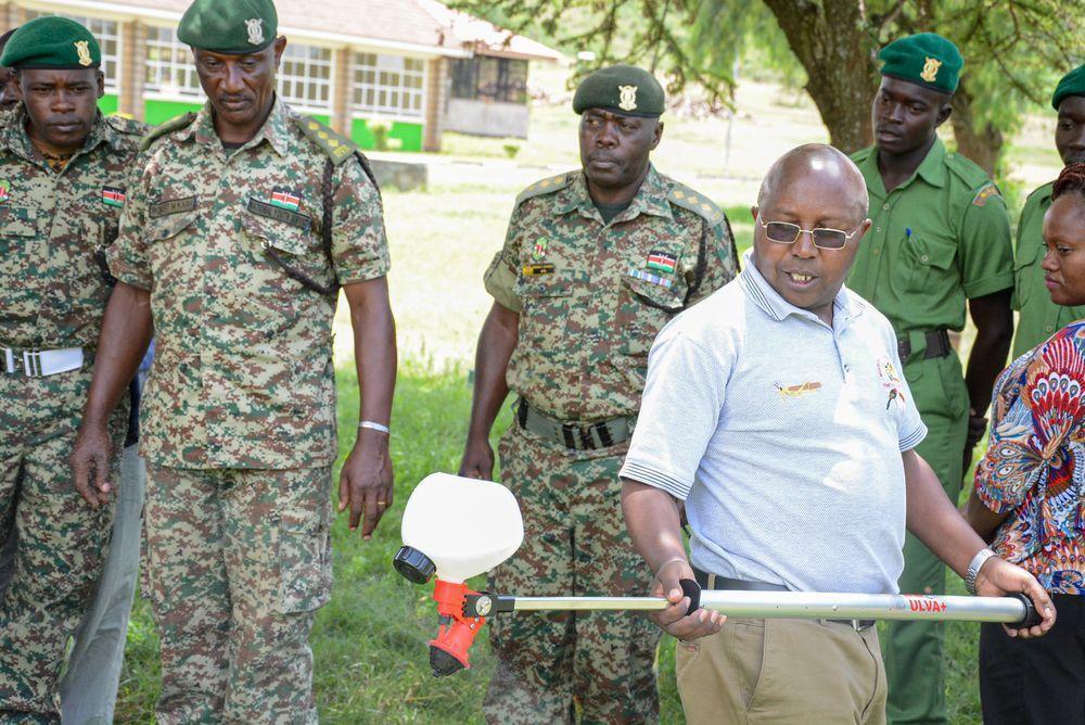 肯亞民眾上月接受滅蝗培訓。(新華社)