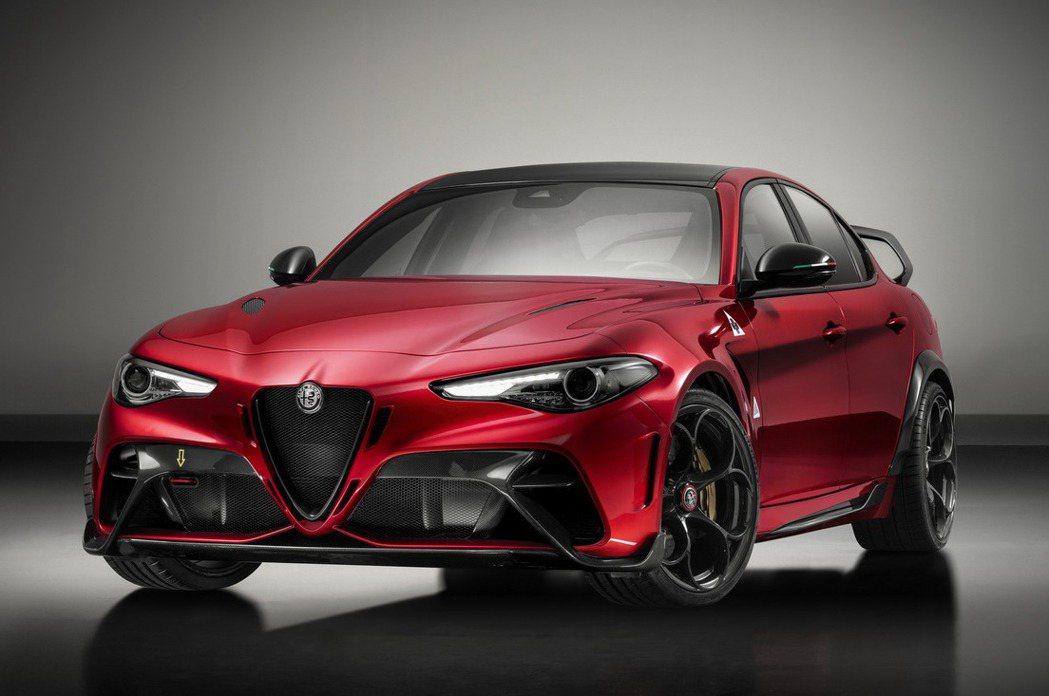 Alfa Romeo Giulia GTAm。 摘自Alfa Romeo