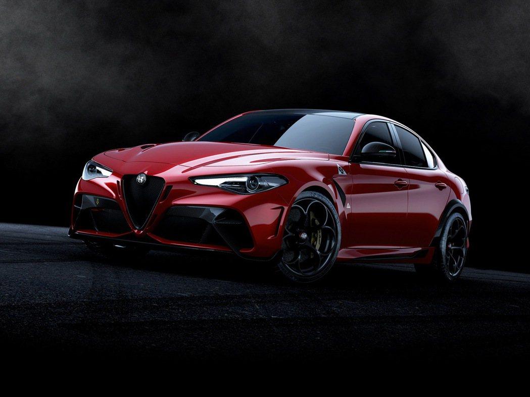 Alfa Romeo Giulia GTA。 摘自Alfa Romeo