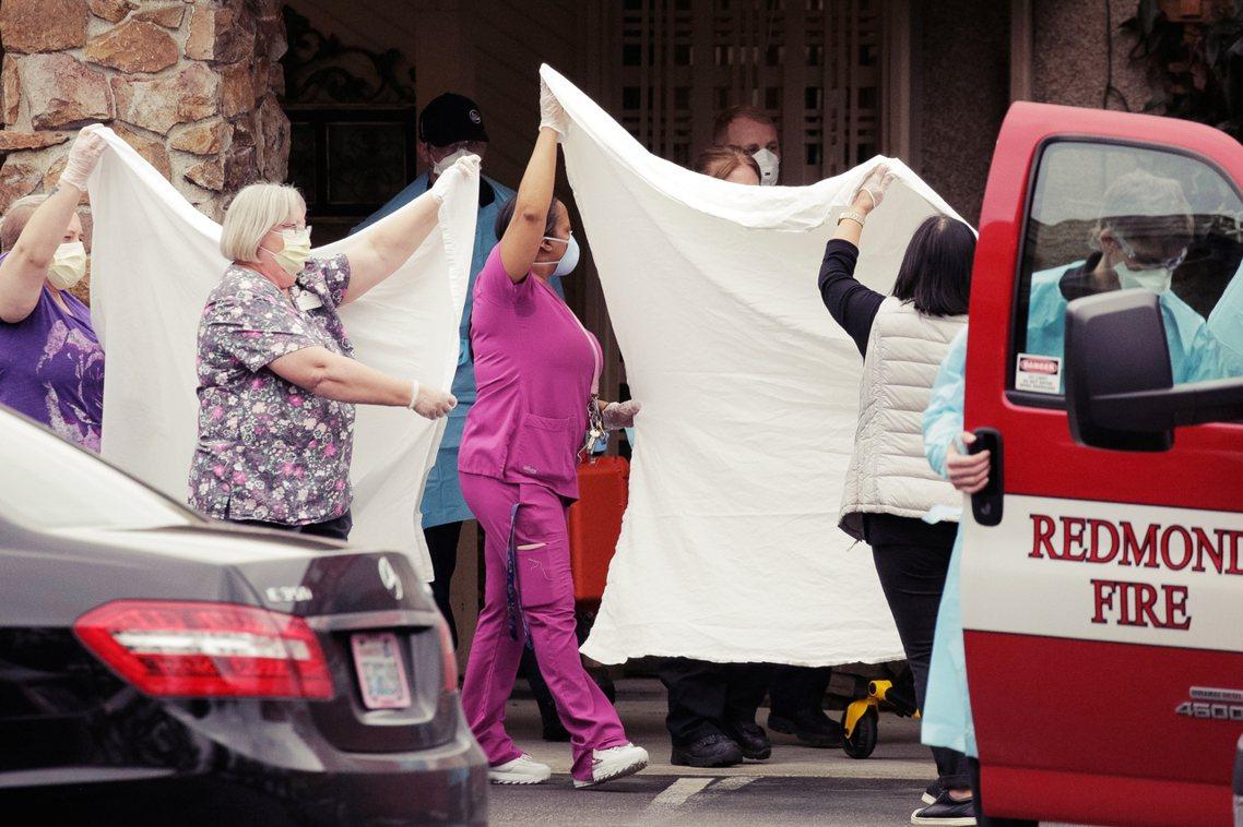 截至周一深夜為止,全美累積確診105例,其中6人死亡。但死亡的6例,全發生在美國...