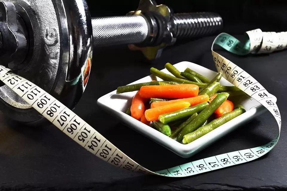 日常飲食仍須以低GI食物為主,減少攝取精緻糖類的機會。 圖/pixabay