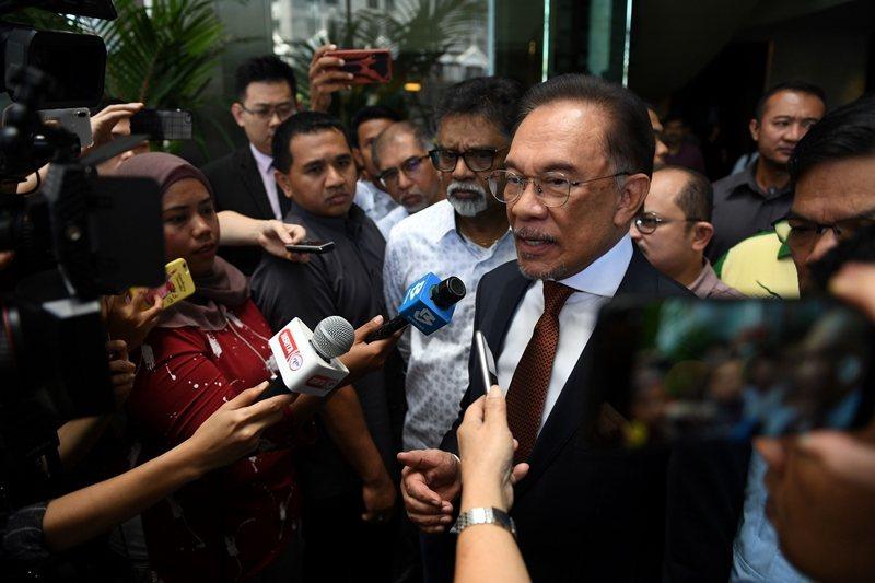 希盟因在國會失去原來的大多數席位,安華接任首相一事也隨之落空。 圖/法新社