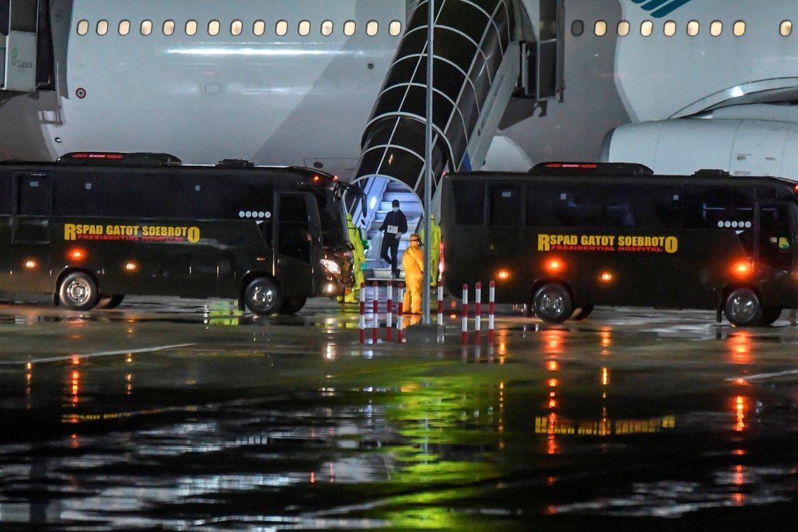 根據日本厚勞省的資料,目前結束海上隔離的鑽石公主號仍在進行消毒作業,截至3月3日...