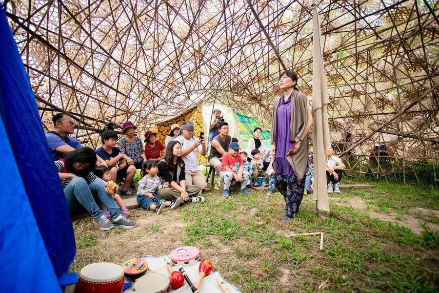 幸福社區類首獎果然紅工作室,結合在地團體,以回家概念為主軸,透過藝術尋回人與土地...