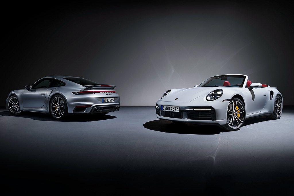 全新世代保時捷911 Turbo S相同提供Coupe與Cabriolet兩種車...