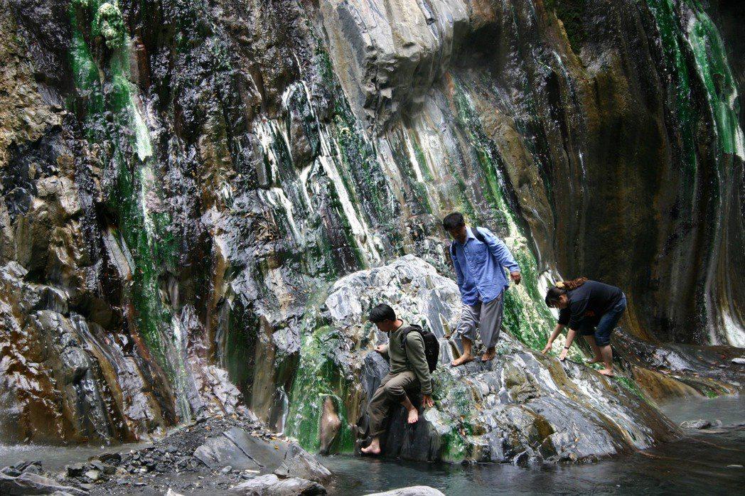 台東知名景點栗松野溪溫泉。 圖/聯合報系資料照