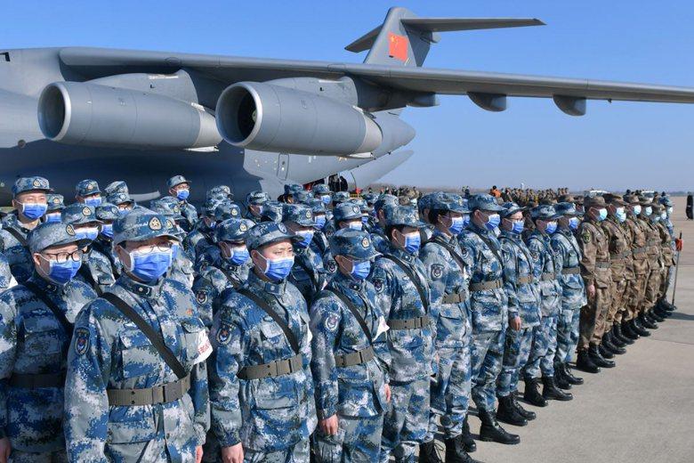 2月17日,中共投入解放軍軍力,支援湖北疫區防控工作。 圖/新華社
