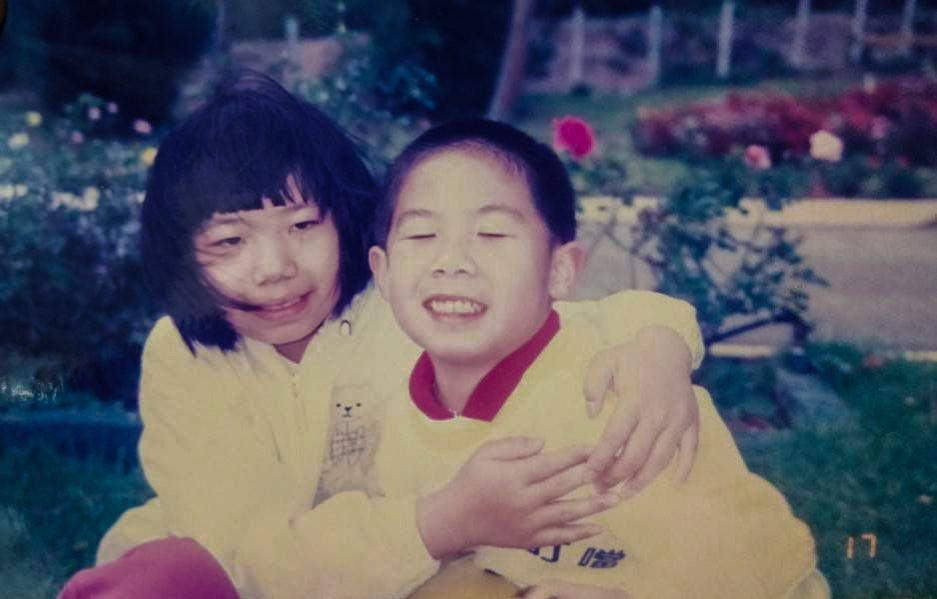 呂妙貞與弟弟一同長大、關係緊密,是弟弟的陪伴者也是照顧者。  圖/呂妙貞提供