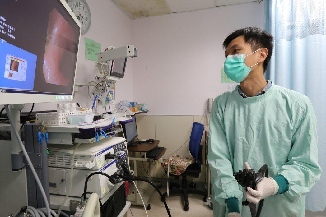 亞洲大學附屬醫院兒童腸胃科醫師陳德慶指出,克隆氏症相當罕見,在台灣發生比例約10...