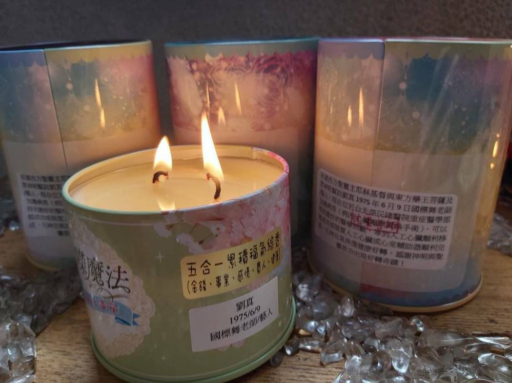 沈嶸連日已經點了多個魔法蠟燭。圖/水舞演藝提供