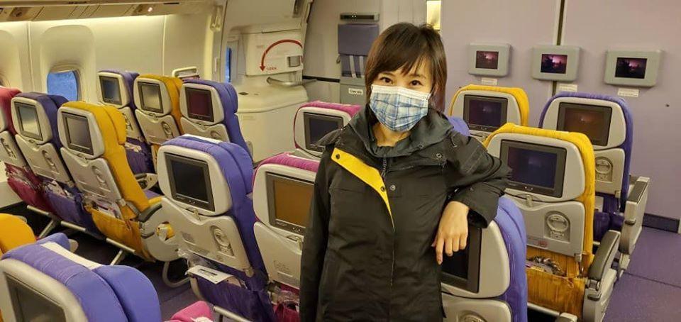 飛機上也幾乎沒人。圖/白心儀臉書