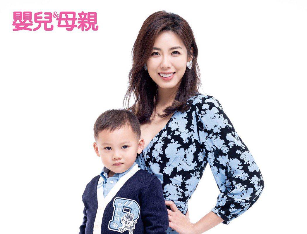 林可彤帶兒子Adam拍攝雜誌封面。圖/嬰兒與母親提供