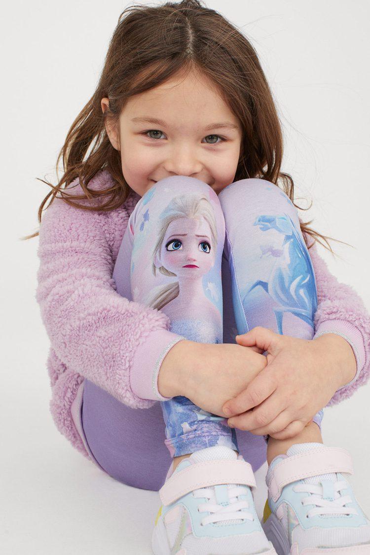 H&M與冰雪奇緣聯名推出系列女童裝,成就每個女孩的「艾莎夢」。圖/H&M提供