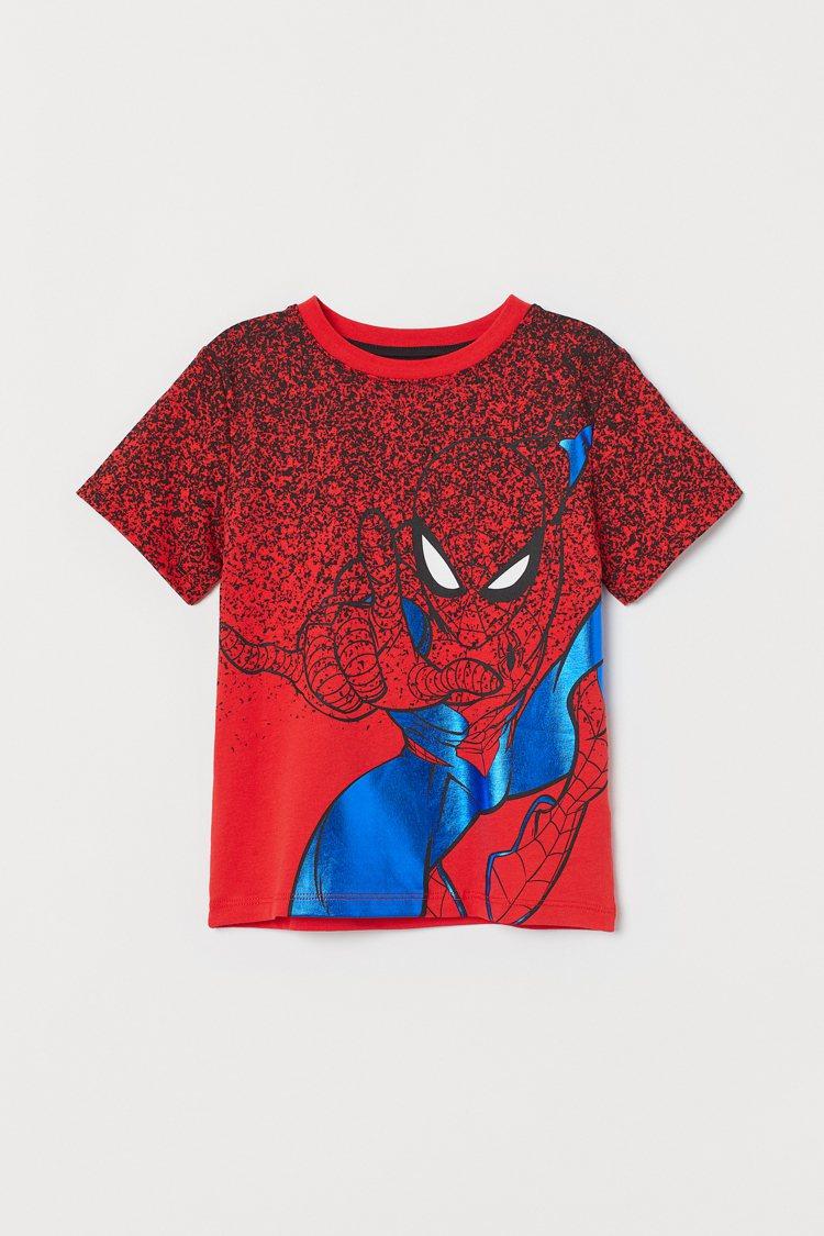 H&M與漫威聯名系列男童T恤349元。圖/H&M提供