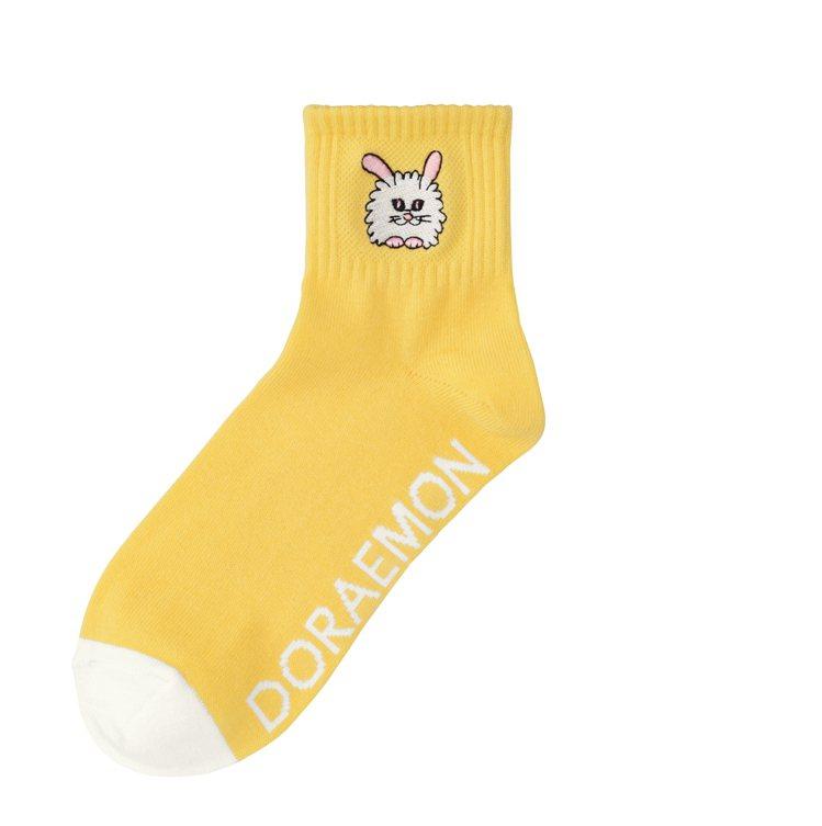GU與ASOKO合作哆啦A夢系列襪子150元。圖/GU提供
