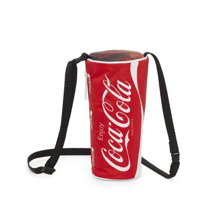 就是可樂杯型包,1,750元。圖/LeSportsac提供