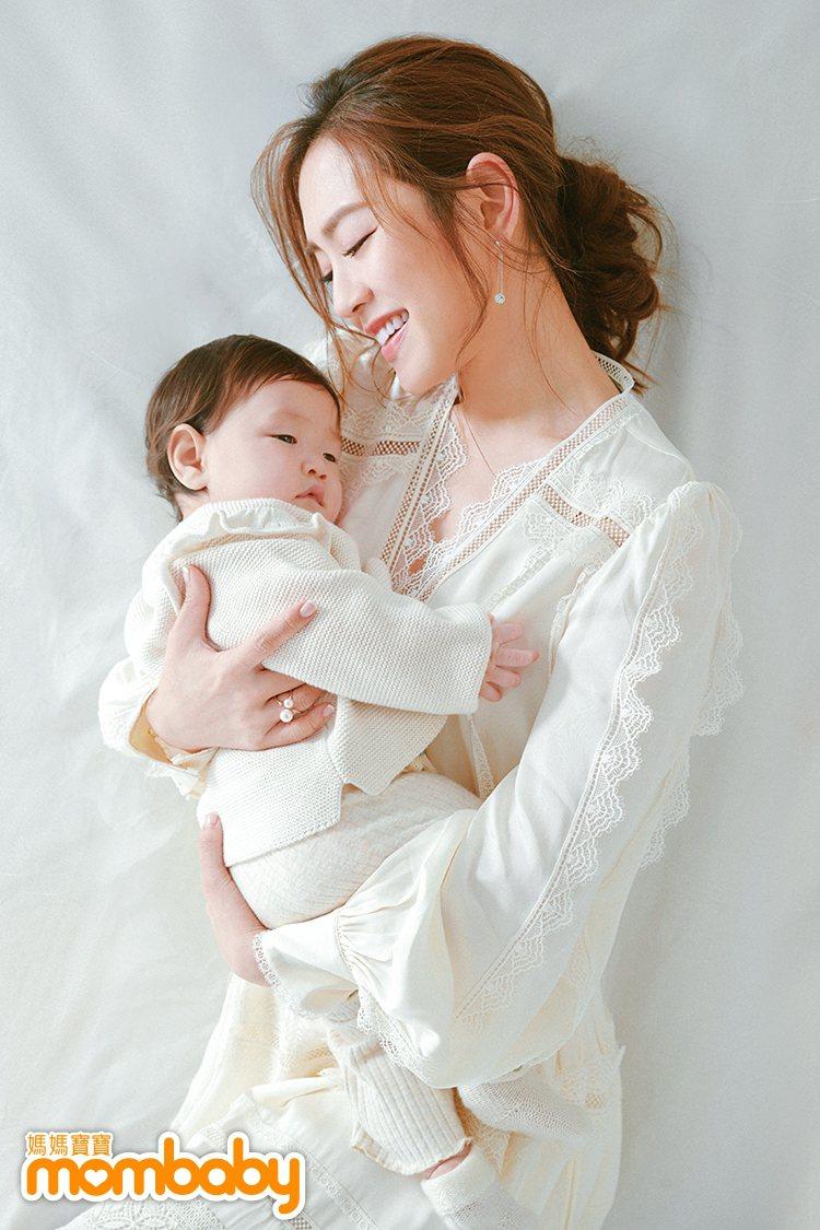 楊千霈與二女兒Q妹。圖/媽媽寶寶提供