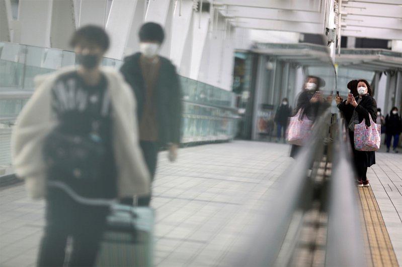 日本一名曾搭乘鑽石公主號遊輪的確診高齡旅客,院方使用氣喘藥治療後已出院。路透