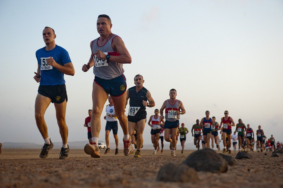 無論幾歲,只要選擇投入運動和訓練,就能獲得運動的好處,包括變得更健康,甚至成為大...