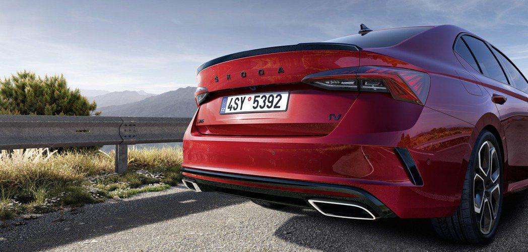 品牌首度擁有電能動力的ŠKODA Octavia RS iV正式發表。 摘自ŠK...