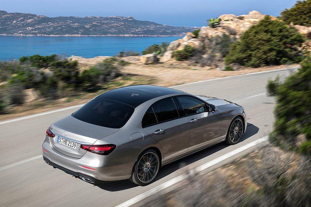 Mercedes-Benz Urban Guard全方位監控系統,可檢測車輛位置...
