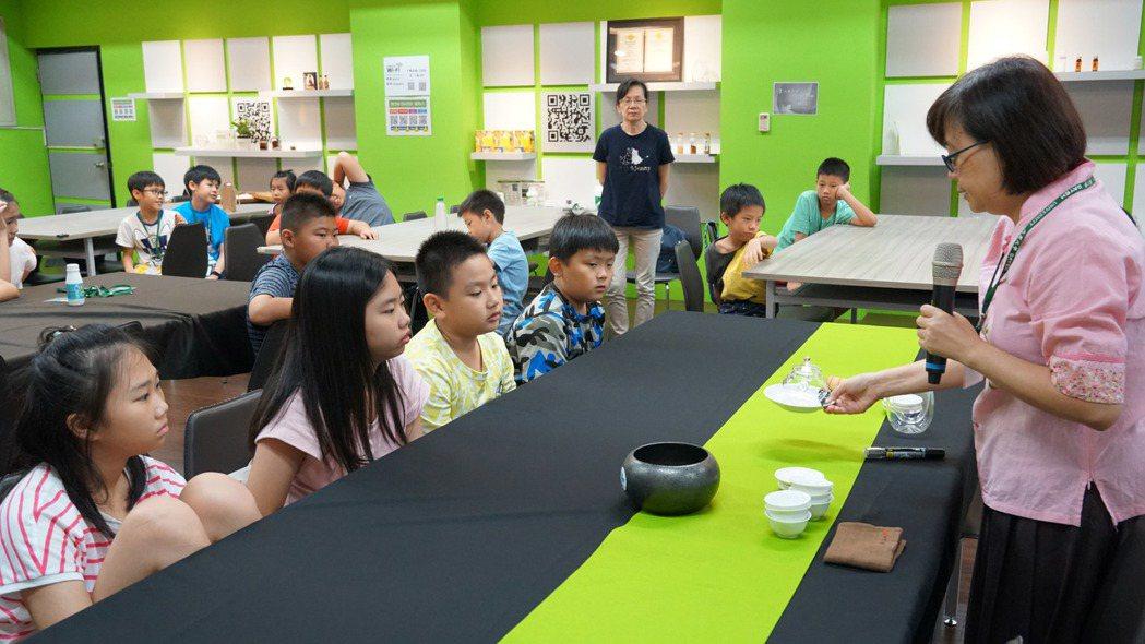 大葉大學辦理講座與營隊,推廣食安觀念。 大葉大學/提供。