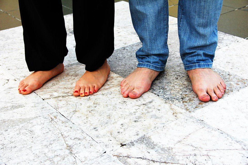 從出生到死亡,我們的雙腳帶著我們前往各個地方,但是我們卻常常忽略足部的健康狀況。...