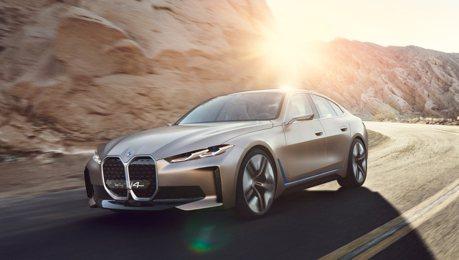 預覽2021年量產版樣貌 BMW Concept i4帶著大鼻孔問世了!