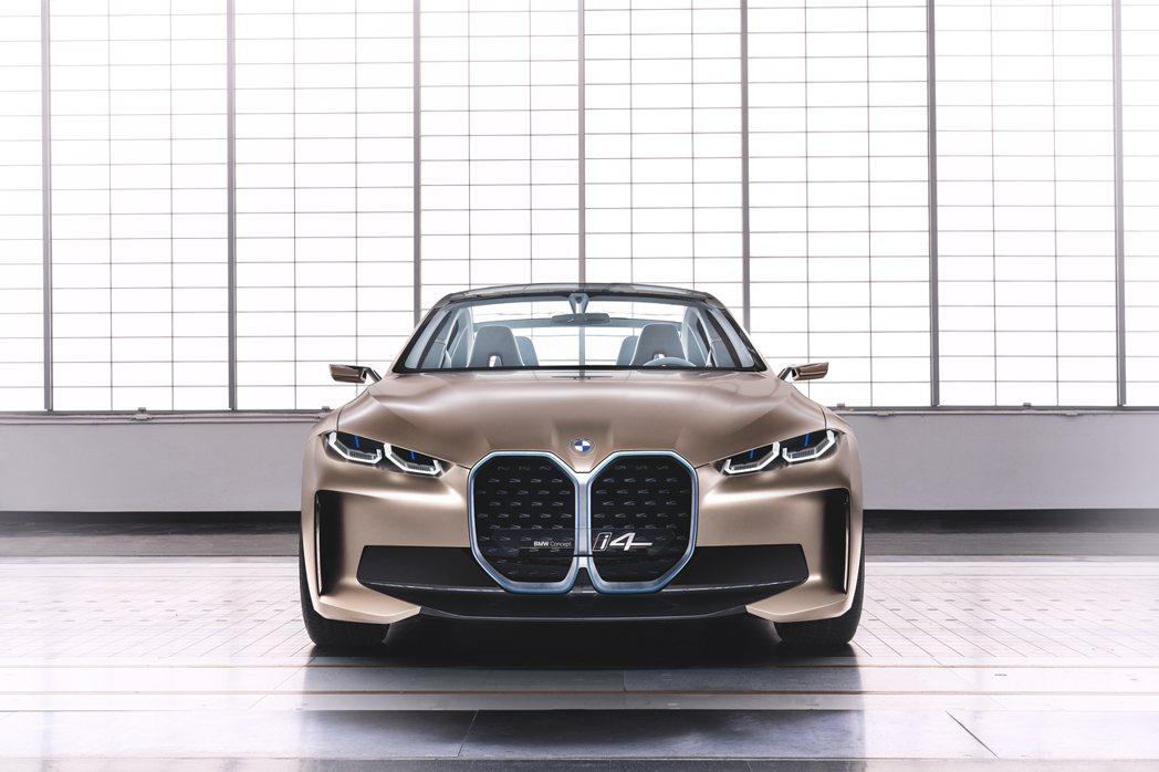 BMW Concept i4 最大馬力可達530hp。 摘自BMW