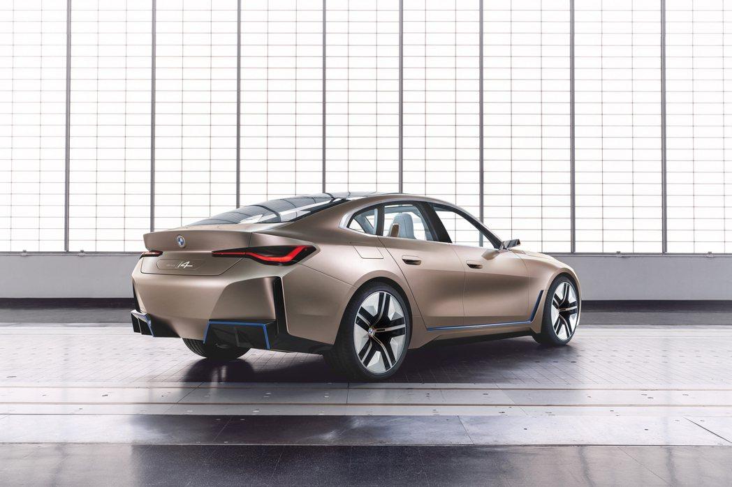 BMW Concept i4。 摘自BMW