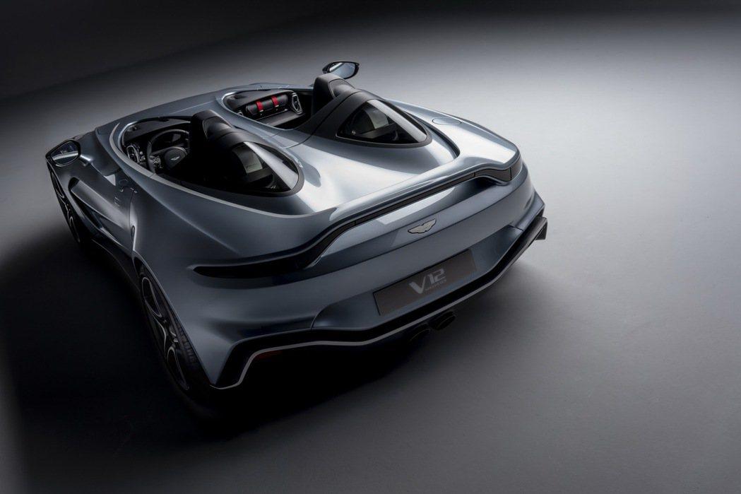 Aston Martin V12 Speedster高達700匹馬力。 摘自As...