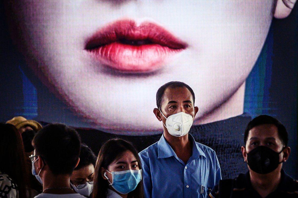 北京被質疑一手安撫「可防可控」,一手卻大肆審查「病毒關鍵字」,斬斷重要疫情資訊向...