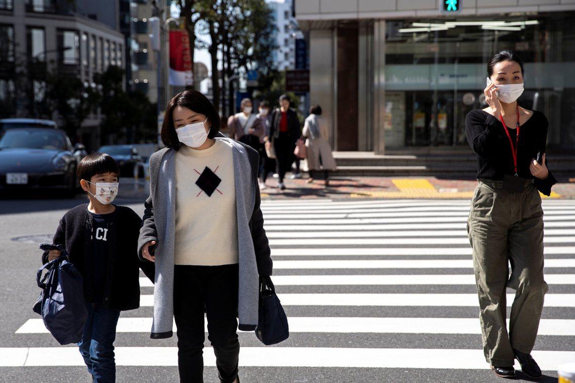 從3月2日周一開始,日本全國高中以下學校進入防疫停課,即所謂的「一齊休校」。考量...
