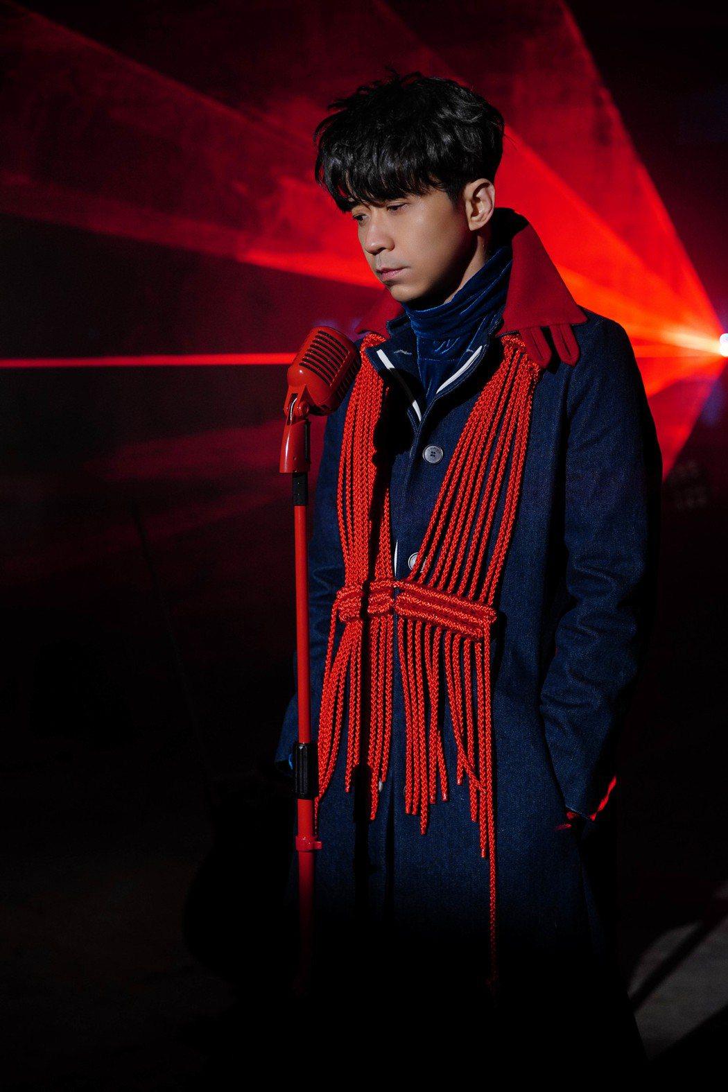 光良推出新歌「反方向」。圖/星娛音樂提供