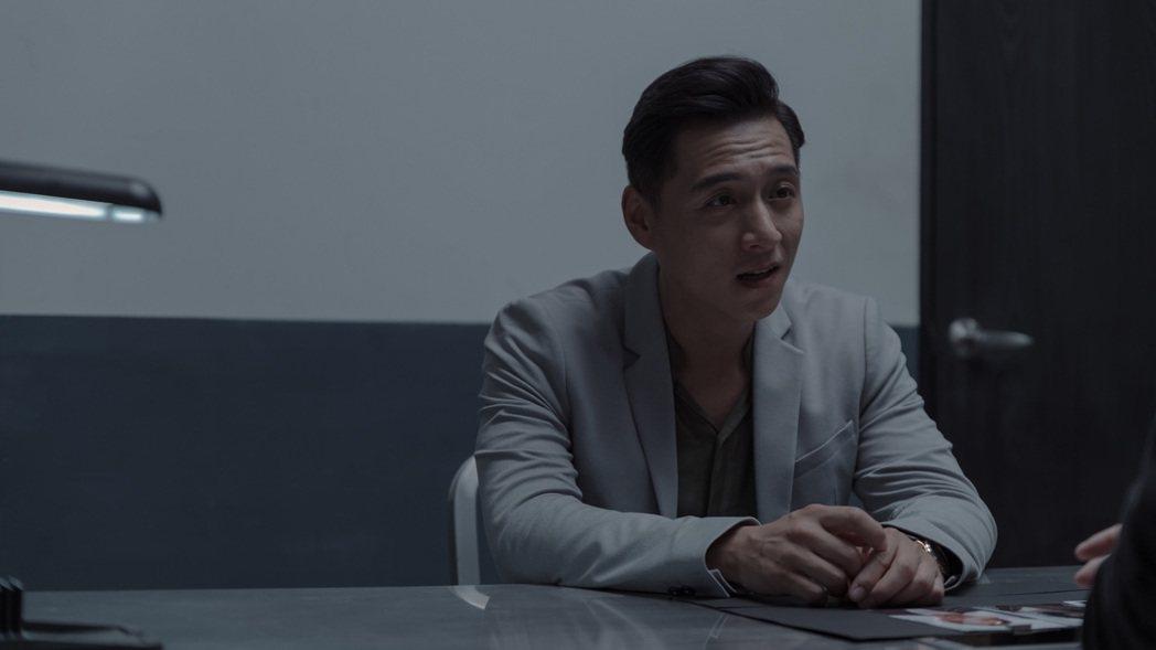 鄭人碩在「誰是被害者」挑戰一人分飾兩角,展現腹黑演技令人驚豔。圖/Netflix...