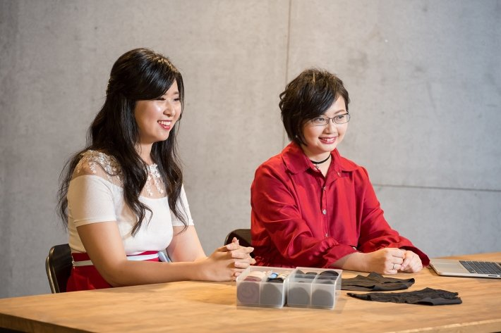 望月女子谷慕慕創辦人文妃(左)與苑伊。 圖/摘自望月女子谷慕慕粉絲專頁